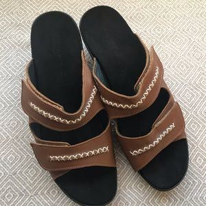 Hauer | Brown Open Toe Heeled Strap Sandals